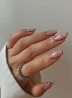 Thin, weak nails stand no chance of reaching great lengths. Ahead, 13 of the best products to strengthen your nails so they can grow longer and healthier. Cute Nails, Pretty Nails, My Nails, Damaged Nails, Almond Acrylic Nails, Clear Nails, Minimalist Nails, Strong Nails, French Tip Nails