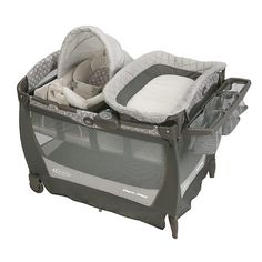 Graco Pack 'n Play Playard with Cuddle Cove Rocking Seat - Finland - Kacz' Kids - 1