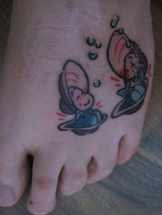 oysters from alice in wonderland tattoo, I would never get this, but it's so cool for a fellow alice lover