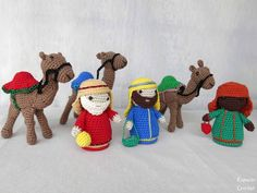 Crochet Applique Patterns Free, Christmas Crochet Patterns, Holiday Crochet, Crochet Blanket Patterns, Crochet Pig, Crochet Disney, Crochet Dolls, Christmas Nativity, Christmas Crafts