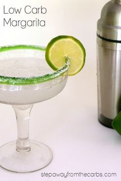 This low carb margarita is an almost zero-carb version of the traditional drink! Keto and sugar free recipe based on the classic cocktail. Low Carb Drinks, Healthy Drinks, Paleo Recipes, Low Carb Recipes, Drink Recipes, Zero Carb Diet, Margarita Bar, Keto Drink, Weight Watchers Meals