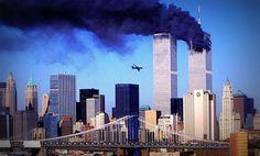 Estados Unidos conmemora un nuevo aniversario del 11-S   Mientras los estadounidenses se enfrentan a la destrucción causada por los huracanes este 11 de septiembre se conmemora el aniversario de el ataque terrorista a las Torres Gemelas de Nueva York. Miles de familiares de las víctimas del 11-S sobrevivientes rescatistas y otros acudirán al World Trade Center para recordar el ataque más letal de la historia en suelo estadounidense.Hay varios eventos previstos: 1. Tributo de la Luz (Bajo…