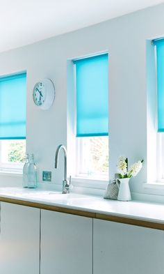 Vibrant blue accents can bright up any room. mix with wood tones and white to make a statement. Made to measure Viba Aqua Roller blind would be perfect for this in kitchens and living rooms. Blinds For Sale, Cheap Blinds, Blinds Diy, Blinds Ideas, Wooden Window Blinds, Blinds For Windows, Kitchen Blinds Easy To Clean, Blue Roller Blinds, Waterproof Blinds