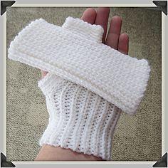 Slip Stitch Fingerless Gloves ~ free pattern ᛡ