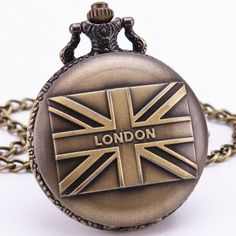 Bronze Vintage Men Women Pocket Watches TD Top Brand British Flag Design Carved Lid Imported Quartz Clock with Pendant Chain Vintage Men, Retro Vintage, London Souvenirs, Quartz Pocket Watch, Pocket Watch Antique, Bronze, Pendant Necklace, Necklace Chain, Antiques