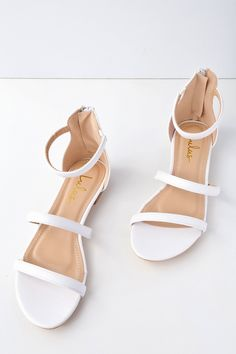 The Lulus Quin White Flat Sandals are leading the pack in classic style! Sleek vegan leather makes up these essential flat sandals including a peep-toe upper, strappy vamp, and ankle strap with elastic for fit. Dressy Sandals, Shoes Flats Sandals, White Sandals, Shoe Boots, Sandal Heels, White Wedding Sandals, Leather Sandals, White Flat Shoes, Gladiator Sandals