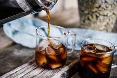 Kallbryggt kaffe – Så gott!   Fredriks fika - Allas.se Iste, Fika, Alcoholic Drinks, Coffee Maker, Coffee Maker Machine, Coffeemaker, Alcoholic Beverages, Coffee Making Machine, Liquor