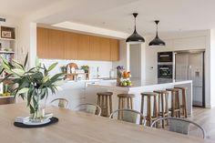 Kitchen Design, Table, Furniture, Home Decor, Cuisine Design, Decoration Home, Room Decor, Home Furniture, Interior Design