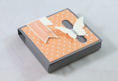 zeit-zum-basteln.de - Schmetterlingsbox - Verschluss mit der Wortfensterstanze & Schmetterling
