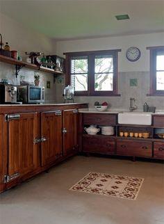 La vedette de la cocina es sin dudas la heladera de almacén, otro hallazgo en la…