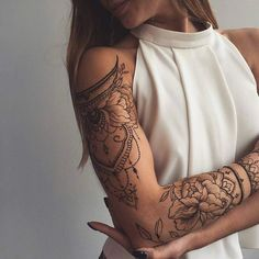 Sleeve Tattoos for Women Best Tattoo Sleeve Ideas For Women Fantastic Half and Full Sleeve Tattoos for Women images Ideas Designs for Girls 2019 2020 Full Sleeve Tattoos, Sleeve Tattoos For Women, Tattoo Sleeve Designs, Leg Tattoos, Flower Tattoos, Body Art Tattoos, Girl Tattoos, Tattoos For Guys, Henna Sleeve