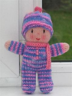 Rainbow Babies by Jean Greenhowe Free pattern,cute and easy! Perfect for dontions!
