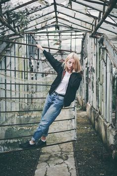 kotryna bass by ugne henriko, urban outffiters, bomber jacket, white top, vintage jeans, dr martens, white socks, outfit, ootd, outfit of the day, lookbook