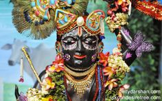 To view Gopal Close Up Wallpaper of ISKCON Chowpatty in difference sizes visit - http://harekrishnawallpapers.com/sri-gopal-close-up-wallpaper-005/