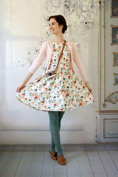 Style dress suits apple shape 4297