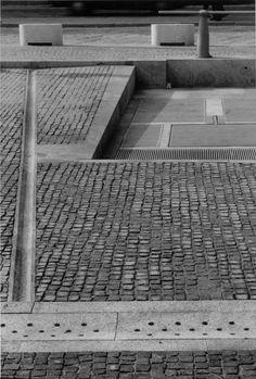 Umberto Riva - Piazza S. Nazaro in Brolo - Milano, 1989-92