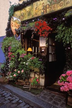 Small, intimate and charming French restaurant ~ As beautiful outside as it is inside. Paris - Montmartre.