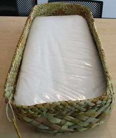 Ngāi Tahu has announced it will provide each iwi newborn with a pēpi pack, including a wahakura (woven bassinet). Flax Weaving, Weaving Art, Basket Weaving, Woven Baskets, Bridal Bra, Young Women Lessons, Maori Designs, Maori Art, Baby Bassinet