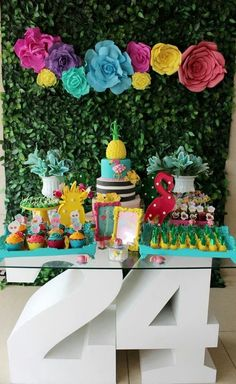 Birthday decorations adultos women 15 ideas for 2019 Pink Flamingo Party, Flamingo Birthday, Festa Party, Luau Party, 10th Birthday Parties, Tropical Party, Moda Tropical, Holidays And Events, Birthday Decorations