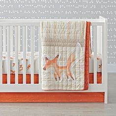 This sly little fox crib bedding set has a few tricks up its sleeve. It's made from 100% cotton and features a playful crowd of printed foxes.