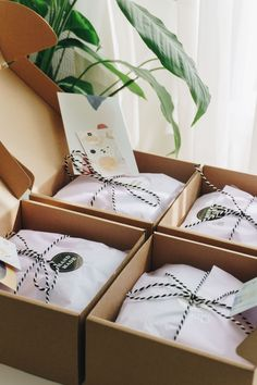 Packing up Etsy orders. By iebis. This is beautiful, generous, packaging. I love it and find this very inspiring; Baking Packaging, Dessert Packaging, Cookie Packaging, Soap Packaging, Packaging Ideas, Gift Box Packaging, Pretty Packaging, Clothing Packaging, Jewelry Packaging