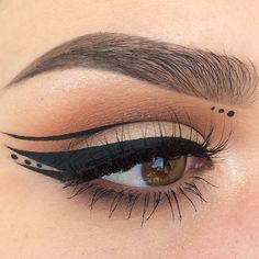 Cool for a night out! I am going to try this with Max Factor's liquid eyeliner from my Endless Summer Vox Box. I received the items for free for testing them! Nail Design, Nail Art, Nail Salon, Irvine, Newport Beach