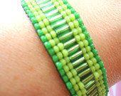 adjustable bracelet in green seed beads by VazJewelryOriginals