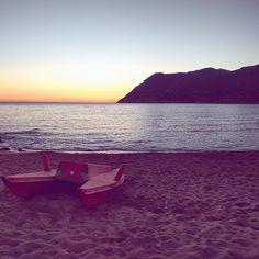 Quella sera in cui vedemmo il sole finire dentro al mare