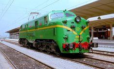 """RENFE// Serie 277 o 7000(numeración antigua), son conocidas como """"las inglesas"""" por su origen. En 2010 aún había algunas operativas en servicio."""