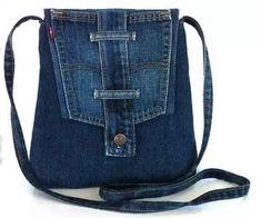 very interesting upcycled denim applique bag by alexandria - Stacha Styles Denim Tote Bags, Denim Purse, Diy Jeans, Mochila Jeans, Jean Diy, Diy Bags Purses, Denim Ideas, Denim Crafts, Leather Gifts
