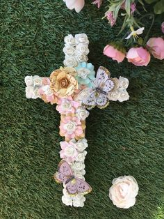 Baptism decorations/ baptism decor/ baptism decorations girl/ baptism decoration ideas/ baptism decorations for cake table/baptism decorations custom/ baptism decoration centerpiece