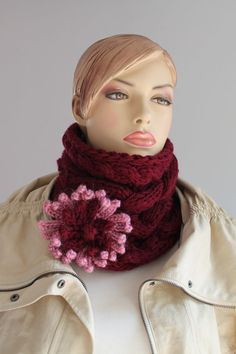 Es ist ein sehr gemütlich, warm und weich. Dieses Stück kann mit jeder Mode-Stil getragen werden, was Sie wollen.  Ich habe diesen Schal von weichem