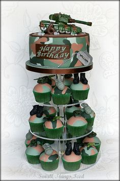 Army Cupcake Tower............omg this is perfect. Slightly outside my skillset, most likely!!
