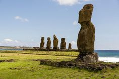 Moaís Rapa Nui by Max Besser on 500px