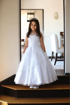 Cheap girls dress, Buy Quality girls dress up directly from China flower girl Suppliers: Beautiful Lace Embrodiery Cap Sleeves Kids First Communion Dresses Lace Up Sheer Crew Neckline Flower Girl Dress Year Old Stylish Dresses For Girls, Frocks For Girls, Wedding Dresses For Girls, Girls Dresses, Dresses Dresses, Girls White Dress, White Flower Girl Dresses, White Dresses For Kids, White Girls
