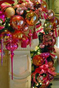 Twins Design - Glamorous Holiday Decor