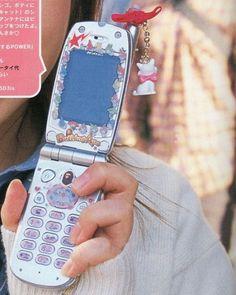 Gyaru, Zack E Cody, Retro Phone, Flip Phones, Old Phone, Indie Kids, Sanrio, Aesthetic Pictures, Archive