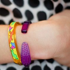 How to make a bracelet from a toothbrush