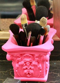 Organizador de pincéis make up - Blog Pitacos e Achados -  Acesse: https://pitacoseachados.wordpress.com -  https://www.facebook.com/pitacoseachados -  #pitacoseachados