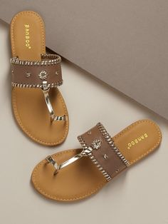 89c093ba3a1 Toe Band Woven Stitch Band Slide Sandals