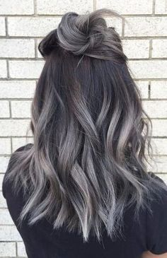 36 Gray Silver Ombre Hair Color Ideas for Attention-Grabbing Gals, Gray Silver Ombre Hair Color Ash ombre Ombre is a fashionable dyeing method that can be used on hair of different colors and lengths. Hair Dye Colors, Ombre Hair Color, Hair Color Balayage, Cool Hair Color, Gray Ombre, Ash Balayage, Ash Ombre Hair, Hair Colour, Silver Ombre Hair