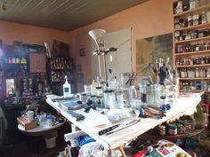 ATELIER DAVID DAMOUR Atelier où je fais toutes mes expériences, où j'écris mes livres et où je peins Table Settings, David, Studio, Painting Workshop, Livres, Place Settings, Studios, Tablescapes