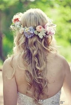 Coronita de flores para el pelo