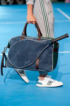 Finding The Comfortable Tennis Racquet Bag in 2020 - Tennis Racket Pro Tennis Bag, Tennis Tips, Tennis Dress, Tennis Clothes, Tennis Racket, Beach Tennis, Vintage Tennis, Tennis Players, Rackets