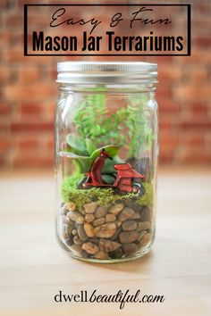 Make these super easy Mason Jar Terrariums with a tutorial from Dwell Beautiful over at Oh My! Creative. A great spring craft for kids and adults alike!