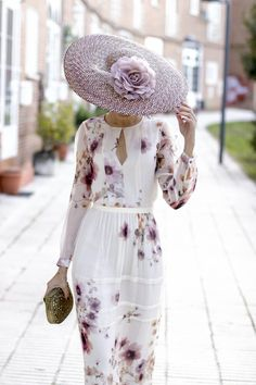 ❣Julianne McPeters❣ no pin limits Choker Outfit, Races Fashion, Special Occasion Outfits, Lovely Dresses, Hats For Women, Mother Of The Bride, Dress To Impress, Marie, Fashion Beauty