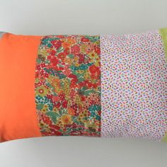 Housse de coussin 30 x 50 cm patchwork de tissus assortis fleurs et unis