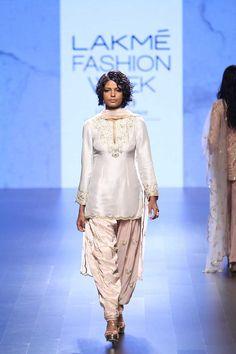 Payal Singhal at Lakmé Fashion Week winter/festive 2016