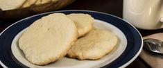 Omlós, citromos-vajas keksz – Szétomlik a szájban, olyan puha - Receptek | Sóbors Cornbread, Cookies, Ethnic Recipes, Food, Millet Bread, Crack Crackers, Biscuits, Essen, Meals