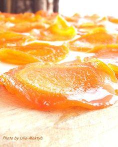 Всем привет! Скажите,а вы любите морковь?А лимон?Я вот да,особенно последний.Но мои дети морковь едят неохотно.Я решила для себя эту небольшую проблему : приготовила Морковно-Лимонные Цукаты . И что вы думаете?Это простой десерт вызвал массу положительных эмоций у моих малышей:…